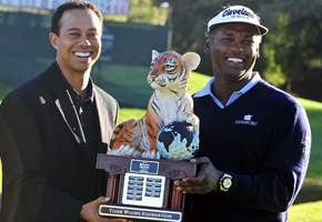 Tiger Woods with winner VJ Singh